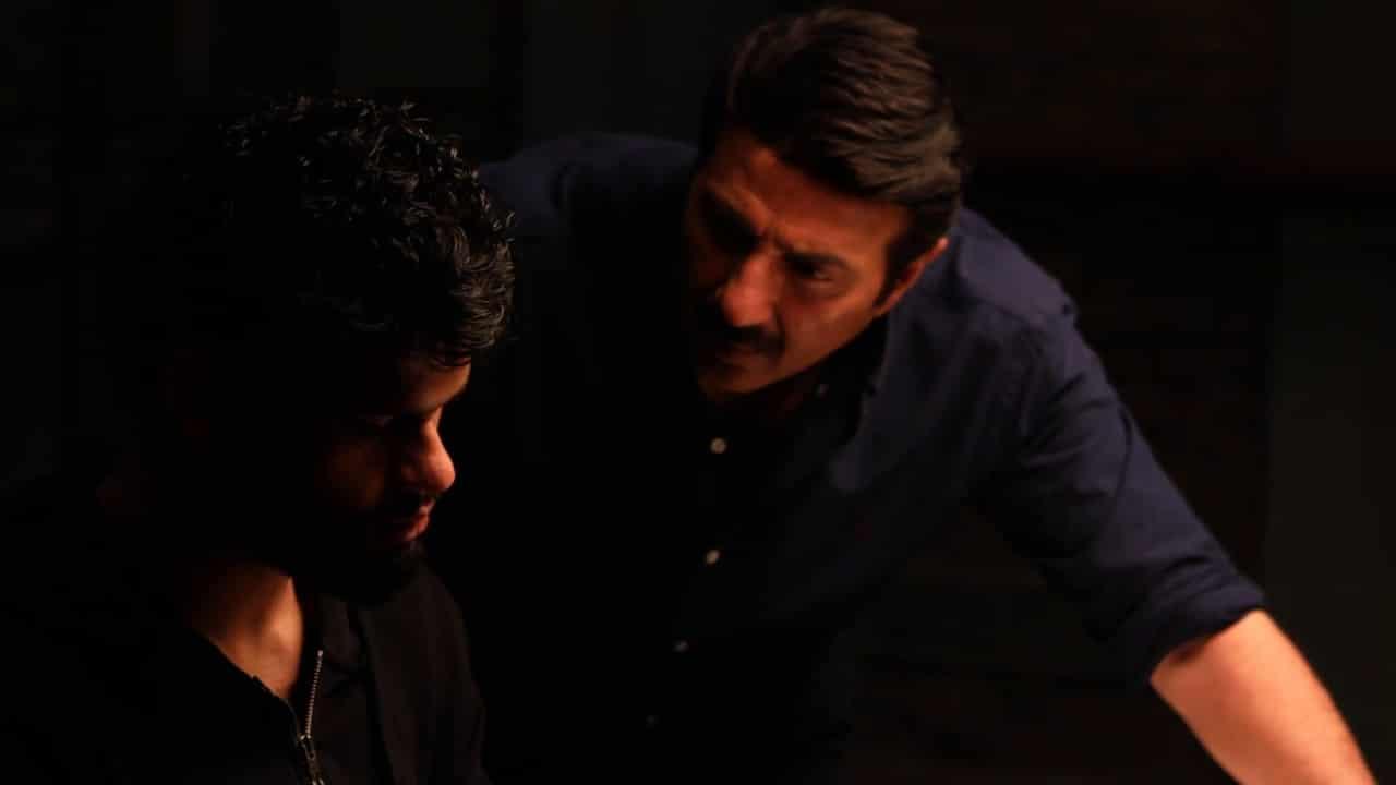 Interagation scene in Black movie